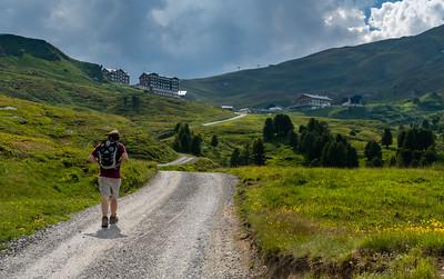 Andy approaches Kleine Scheidegg.