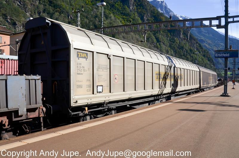 33852740191-7_b_Habbiins_45025_Erstfeld_Switzerland_18102012