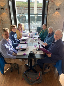 Lunch at Des Alpes, in Luzern. David, Andy, Mara, Pam, Katie, Jack.