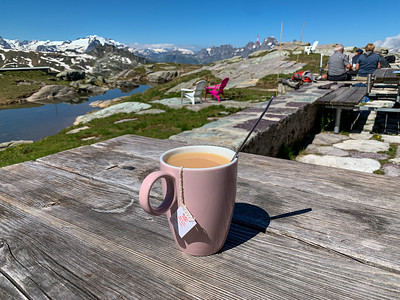 A cup of chai at Leglerhütte.