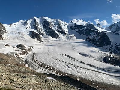 A grand view of Piz Palü (left) and Bellavista (center), from Diavolezza.