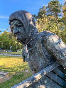 d'Chabishoblere - Röthlisberger statue