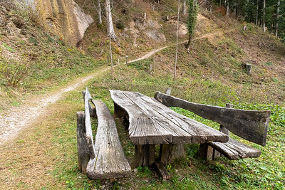 A huge picnic table - seats 16 or more - along the descent from Schnebelhorn.