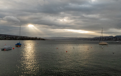 Morning light over Zurichsee, Christmas day.