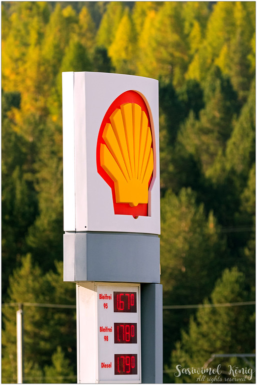 The price at Shell gas station (09/17) in Samedan, Switzerland