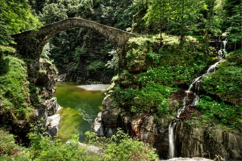 Ponte Romanico; Intragna; Centovalli; Tessin; Switzerland