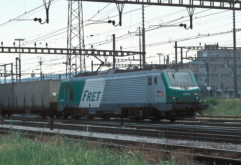 SNCF BB37011  Muttenz20 May 2007