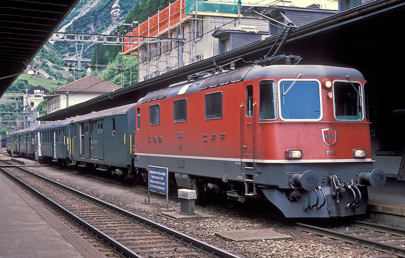 SBB Re4/4 II 11143 at Goschenen with train 5278, the 17:54 to Luzern, on 3 July 1988