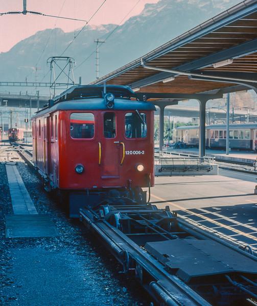 SBB 120-006 Interlaken Ost 4 November 1993