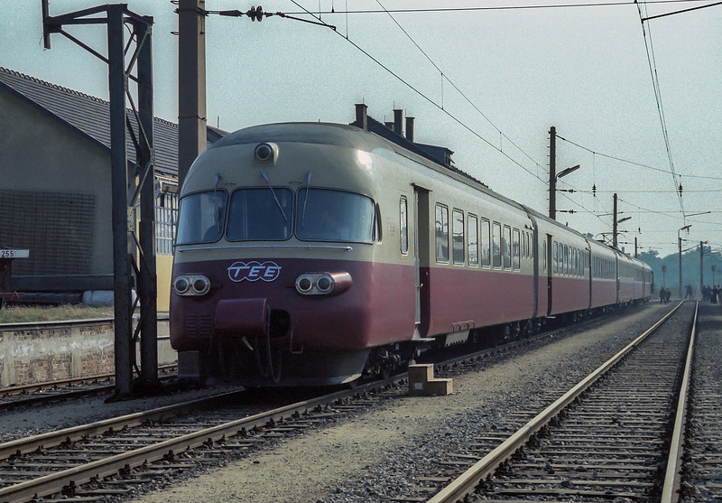 SBB RABe 1054 was displayed in the full TEE livery at Wien Nord during the Austrian 150 celebrations in 1987