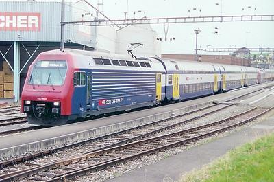 450 011 at Niederweningen on 21st March 2002