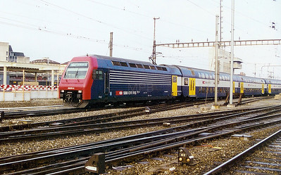 450 074 at Zurich HBF on 24th March 2002