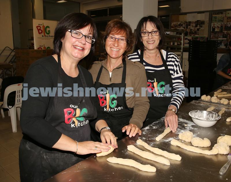 Gluten Free Challah baking at OBK. Leya Slavin, Marilyn Jankelowitz, Yvonne Rosettenstein roll challah dough.