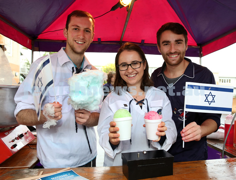 Communal Yom Haatzmaut Celebration at Moriah College. Noam Hayman, Sarah Charak, Jared Phillips selling snow cones & Fairy Floss.