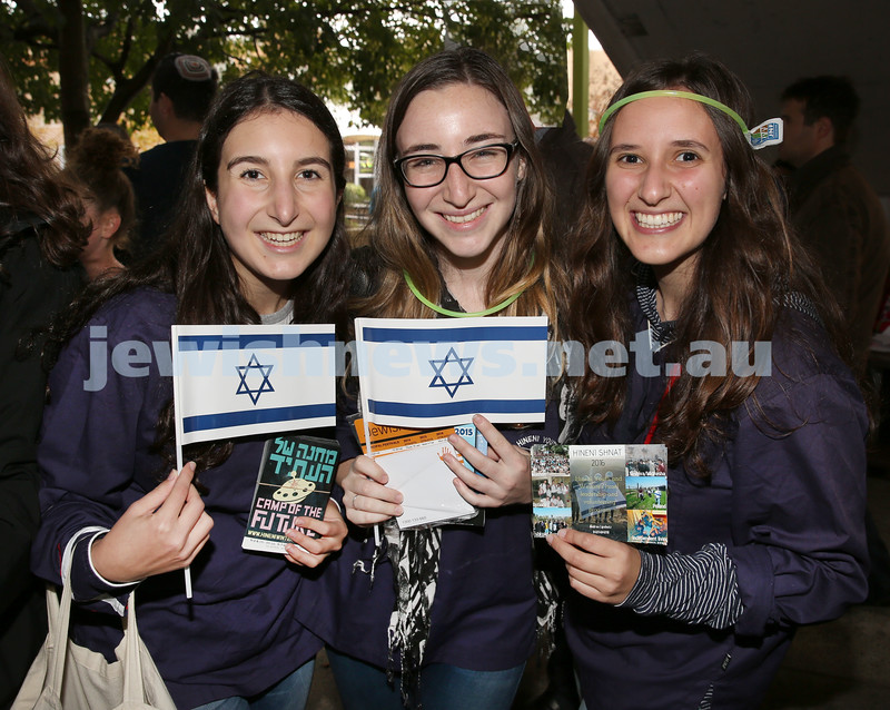 Communal Yom Haatzmaut Celebration at Moriah College. Orli Winton, Sasha Aronson, Tara Lobelson.