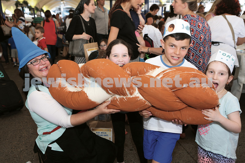 The Shabbat Project Kids Challah Bake 211015