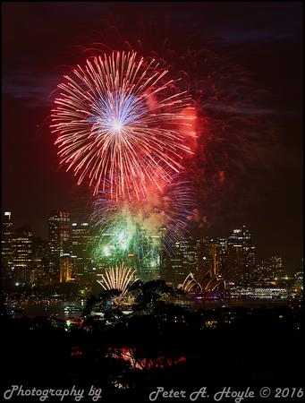 Sydney NYE fireworks - 31st Dec 2016