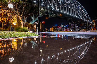 Sydney Harbour Bridge at night.