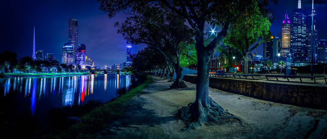 On the banks of the Yarra