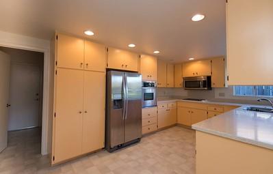 DSC_7071_kitchen