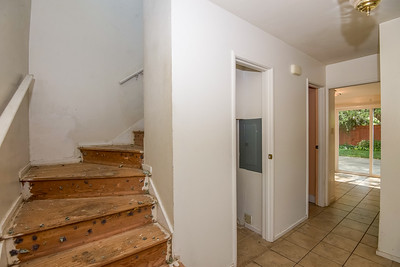 DSC_4492_stairs