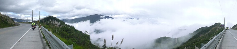 Taking a break above the clouds<br /> On the road to Cuenca, Ecuador