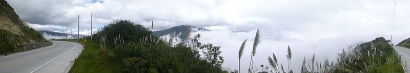 The road above the clouds<br /> On the road to Cuenca, Ecuador