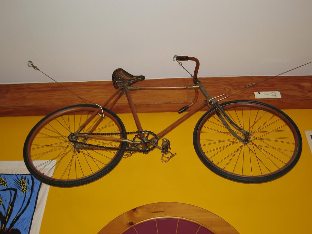 31 Vintage Bike Above Door to Repair Shop