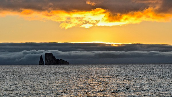 Sunset - Galapagos - Kicker Rock