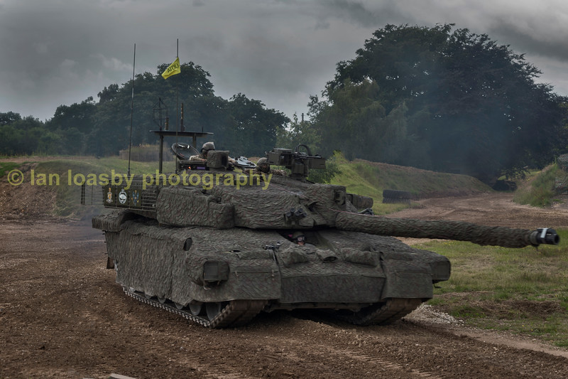 BRITISH ARMY MAIN BATTLE TANK,  CHALLENGER II  ( she is clad in a thermal blanket designed to reduce her heat signiture)