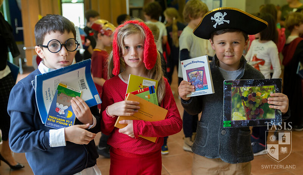 TASIS Celebrates Drop Everything And Read Day (DEAR)