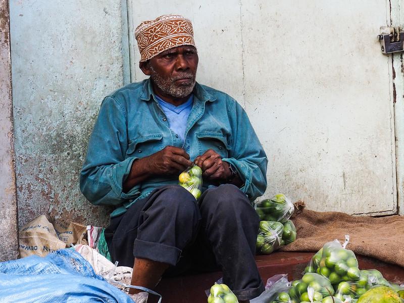 Bagging up fruit