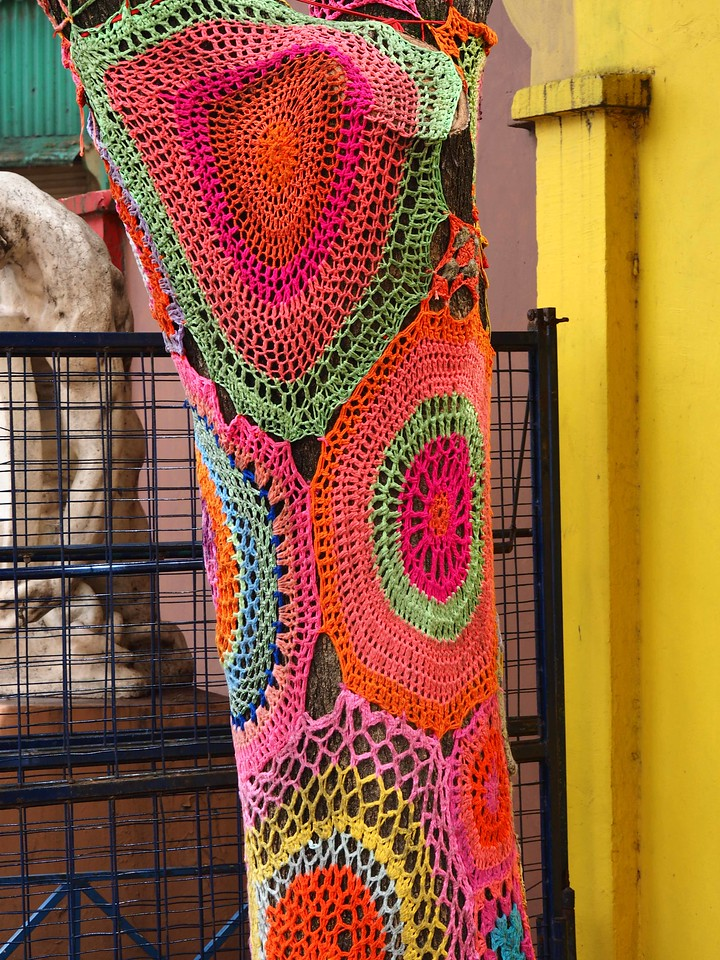 Knitted Tree Wrap Detail, La Boca