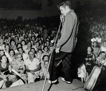 PFP_ ELVIS PRESLEY  1956