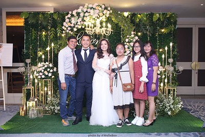 TC-Wedding-photobooth-in-Ho-Chi-Minh-City-Saigon-Chup-hinh-chup-anh-in-hinh-in-anh-lay-lien-lay-ngay-Tiec-cuoi-WefieBox-photobooth-Vietnam-016