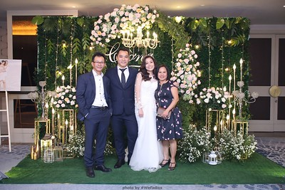 TC-Wedding-photobooth-in-Ho-Chi-Minh-City-Saigon-Chup-hinh-chup-anh-in-hinh-in-anh-lay-lien-lay-ngay-Tiec-cuoi-WefieBox-photobooth-Vietnam-022