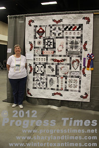 "Best of Show Honorable Mention - Large Quilts ""Black & White Dream"" Dianne Parry"