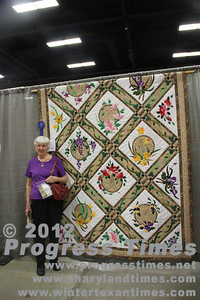 "first Place - Large Quilts ""Circle of Flowers"" Carol Herdman"