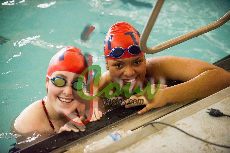 16TCH Swimming1006