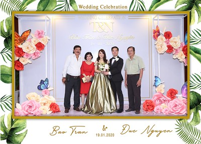 Tran-Nguyen-wedding-instant-print-photo-booth-in-Ho-Chi-Minh-City-Chup-hinh-lay-lien-Tiec-cuoi-WefieBox-Photobooth-Vietnam-036