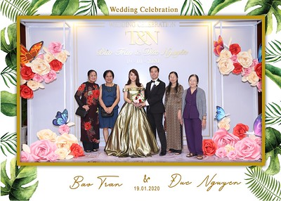 Tran-Nguyen-wedding-instant-print-photo-booth-in-Ho-Chi-Minh-City-Chup-hinh-lay-lien-Tiec-cuoi-WefieBox-Photobooth-Vietnam-043