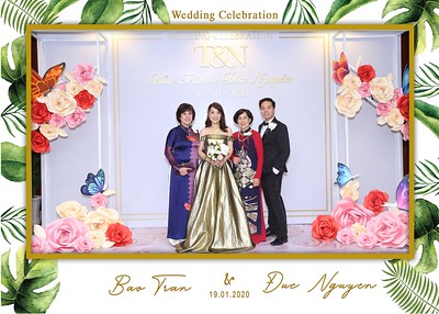 Tran-Nguyen-wedding-instant-print-photo-booth-in-Ho-Chi-Minh-City-Chup-hinh-lay-lien-Tiec-cuoi-WefieBox-Photobooth-Vietnam-014