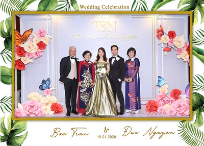 Tran-Nguyen-wedding-instant-print-photo-booth-in-Ho-Chi-Minh-City-Chup-hinh-lay-lien-Tiec-cuoi-WefieBox-Photobooth-Vietnam-010