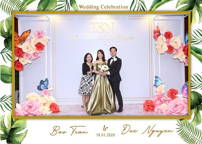 Tran-Nguyen-wedding-instant-print-photo-booth-in-Ho-Chi-Minh-City-Chup-hinh-lay-lien-Tiec-cuoi-WefieBox-Photobooth-Vietnam-030