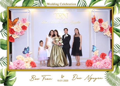 Tran-Nguyen-wedding-instant-print-photo-booth-in-Ho-Chi-Minh-City-Chup-hinh-lay-lien-Tiec-cuoi-WefieBox-Photobooth-Vietnam-044