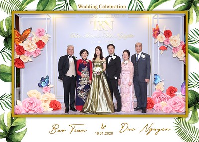 Tran-Nguyen-wedding-instant-print-photo-booth-in-Ho-Chi-Minh-City-Chup-hinh-lay-lien-Tiec-cuoi-WefieBox-Photobooth-Vietnam-011