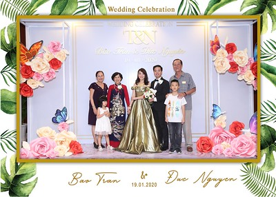Tran-Nguyen-wedding-instant-print-photo-booth-in-Ho-Chi-Minh-City-Chup-hinh-lay-lien-Tiec-cuoi-WefieBox-Photobooth-Vietnam-042