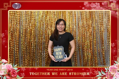 TD-T-Year-End-Party-2019-at-Non-La-Restaurant-instant-print-photo-booth-Chup-hinh-lay-lien-Tiec-Tat-Nien-2019-WefieBox-Photobooth-Vietnam-064