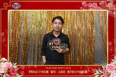 TD-T-Year-End-Party-2019-at-Non-La-Restaurant-instant-print-photo-booth-Chup-hinh-lay-lien-Tiec-Tat-Nien-2019-WefieBox-Photobooth-Vietnam-076