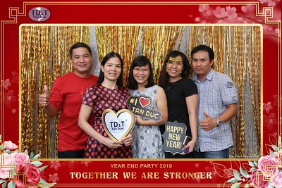 TD-T-Year-End-Party-2019-at-Non-La-Restaurant-instant-print-photo-booth-Chup-hinh-lay-lien-Tiec-Tat-Nien-2019-WefieBox-Photobooth-Vietnam-066